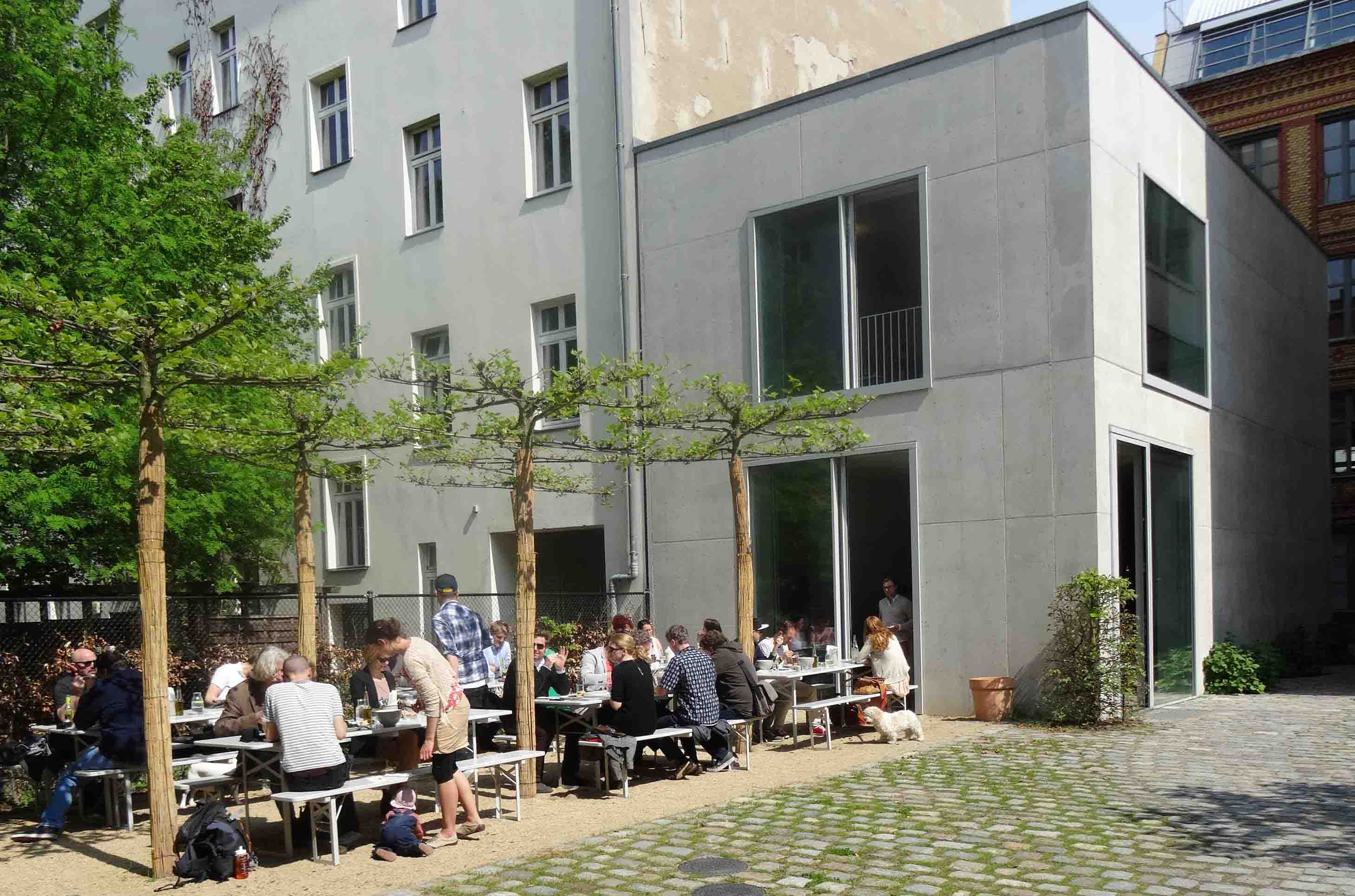 berlin restaurants in hidden courtyards a fun guide. Black Bedroom Furniture Sets. Home Design Ideas